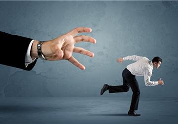 把钱存在银行有3大风险,我们要如何规避?